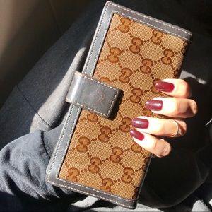 Authentic Vintage Gucci GG Wallet